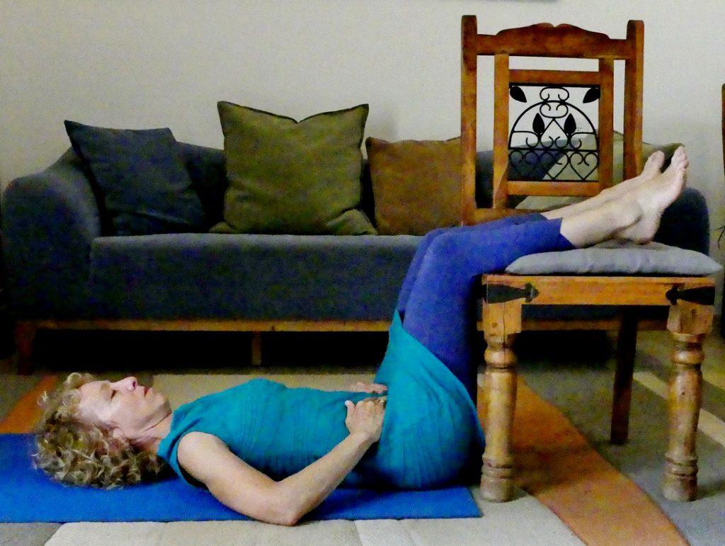אם קמתם חלילה הבוקר עם כאבי גב תחתון או כאבי גב עליון. קבלו 3 תרגילים פשוטים שיסייעו לכם לבסס שיגרה בריאה